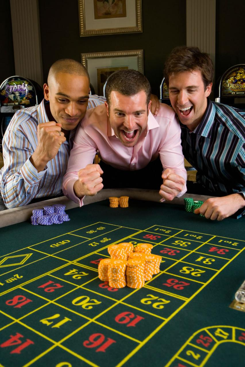 These simple tricks will let you BEAT the casino and earn loads of cash